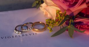 rings swedish wedding customs traditions culture photographer cheap inexpensive best rings bouquet vigselbevis