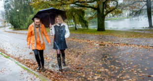 emelie_asplund-a_walk_in_the_rain-4324